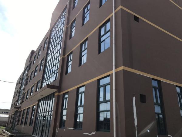 A8217金山区山阳镇亭卫公路山丰路上海市级工业区104地块标准厂房出租 1500平起租