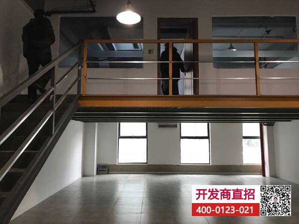 G1778 地铁一号线共富新村站  一楼180平小面积独立复式办公楼研发楼展厅出租