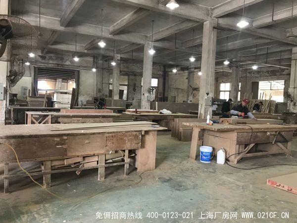 G1976 嘉定区华亭镇沪华中路 6000平方米双层火车头厂房出租  一层高5.5米 二层高4.5米无立柱  有产证排污
