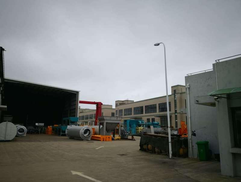 A8338 浦东新区临港新城标准厂房仓库办公楼出租 总面积1.15万平方米 厂房带行车 非常适合外资生产企业