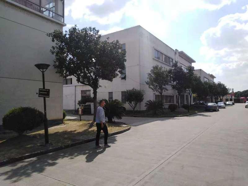 G2233青浦崧泽大道和崧华路 1300平方厂房出租 框架结构 高度4.5米 适合做仓库和加工厂房