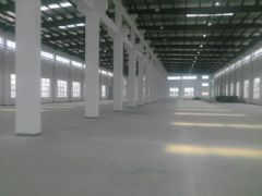 G2325 昆山蓬朗 面积4500平方 高12米 有多部行车 厂房出租 可分割