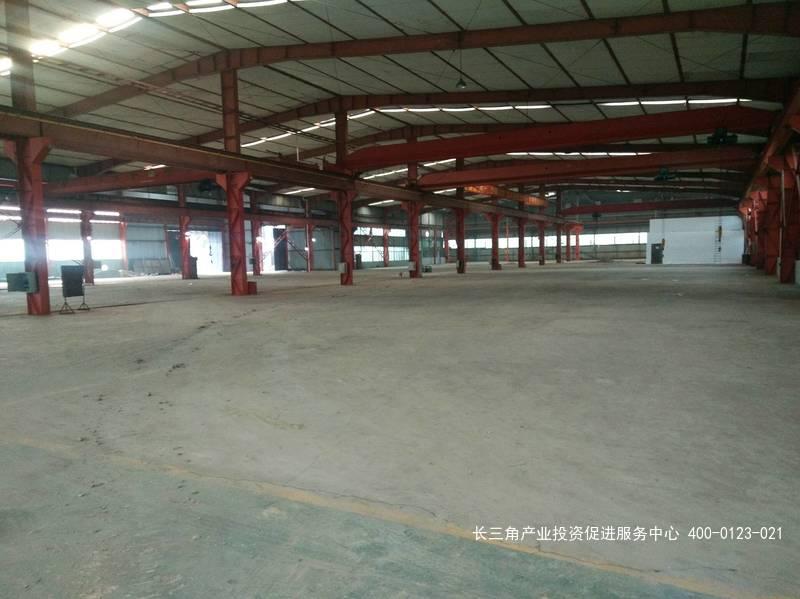 G2391宝山罗泾镇政府附近 单层厂房9200平米 配行车13部 可分割出租