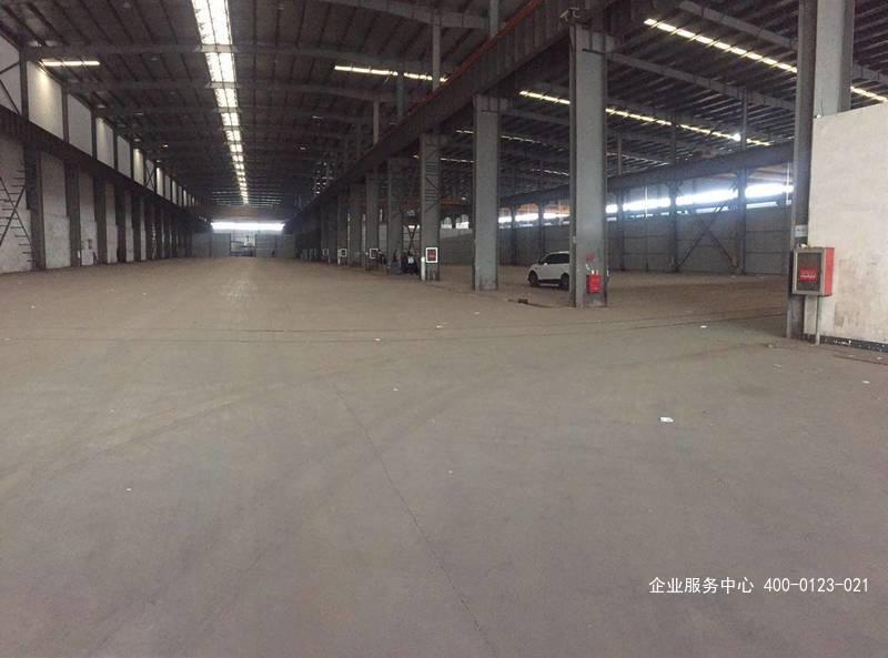 G2437奉贤区地铁萧塘站附近大叶公路8000平单层14米高12部行车厂房出租 可分租