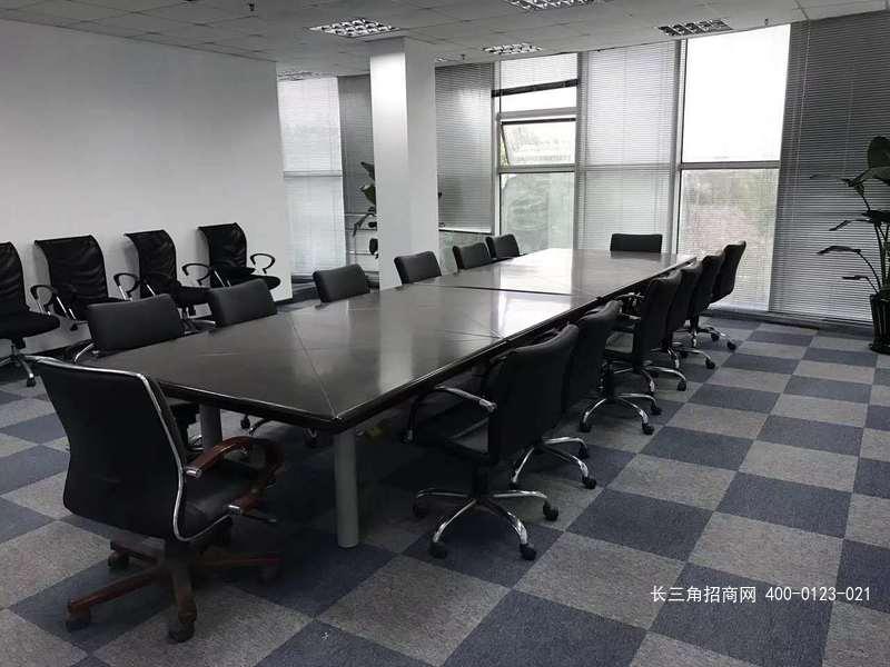 G2487 青浦区赵巷镇崧煌路 精装办公楼1150平 一楼厂房1985平 可分割出租