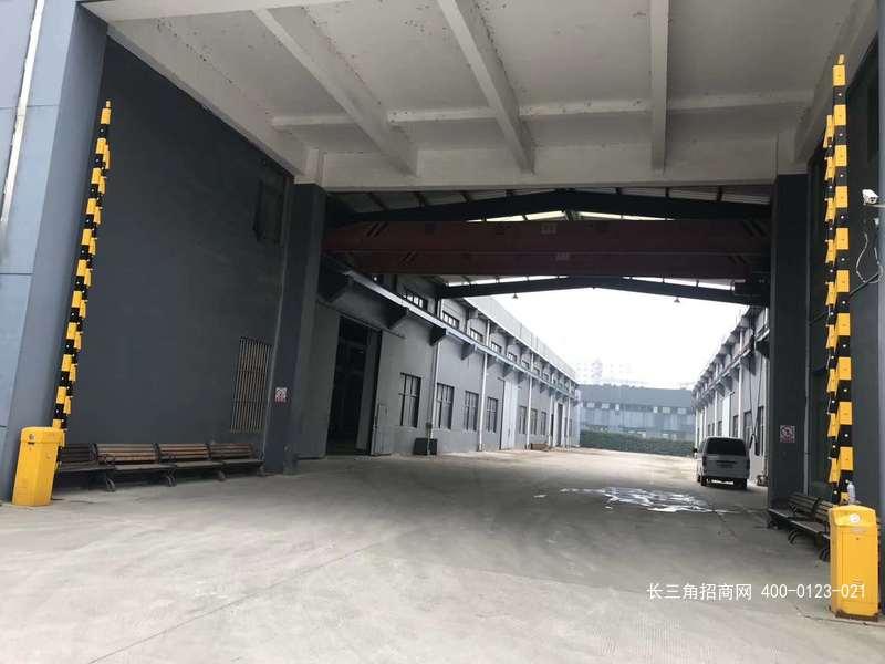 G2486 青浦工业园区盈港路 104地块  双层厂房出租 580平方米  小面积