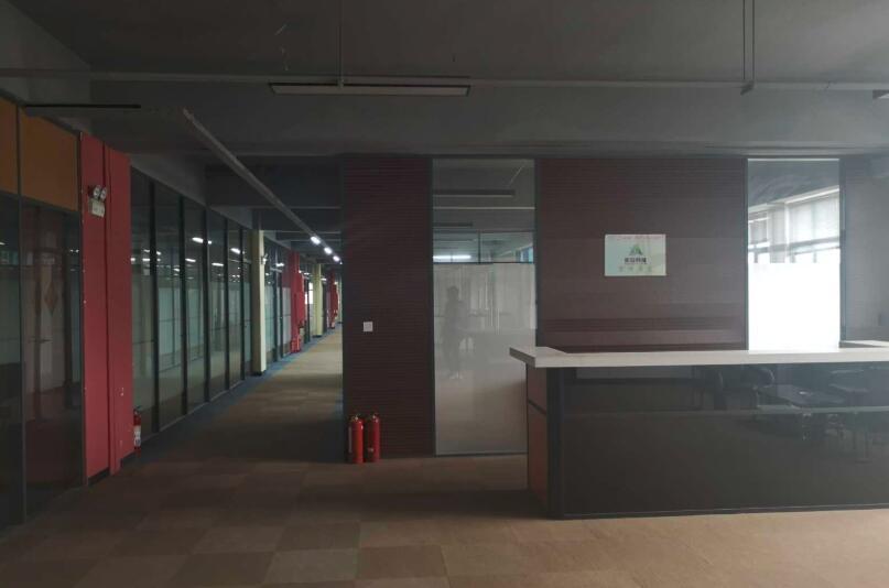 南京江北浦口高新区龙泰路与学府路交叉口 500至9000平 生产办公一体 多套可选