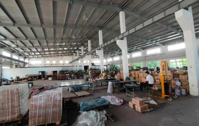 南京-滁州来安汊河经济开发区江浦路 2400平方米 带行车钢结构单层厂房出租
