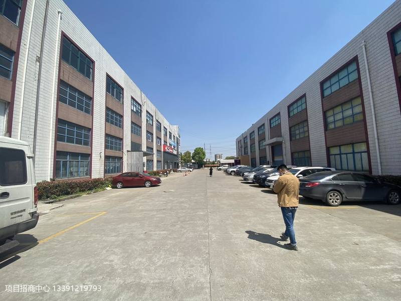 闵行梅陇春申路虹梅南路精装办公室仓库大小面积可以分租可做培训 100平起租